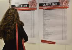 Studentessa alla Career fair